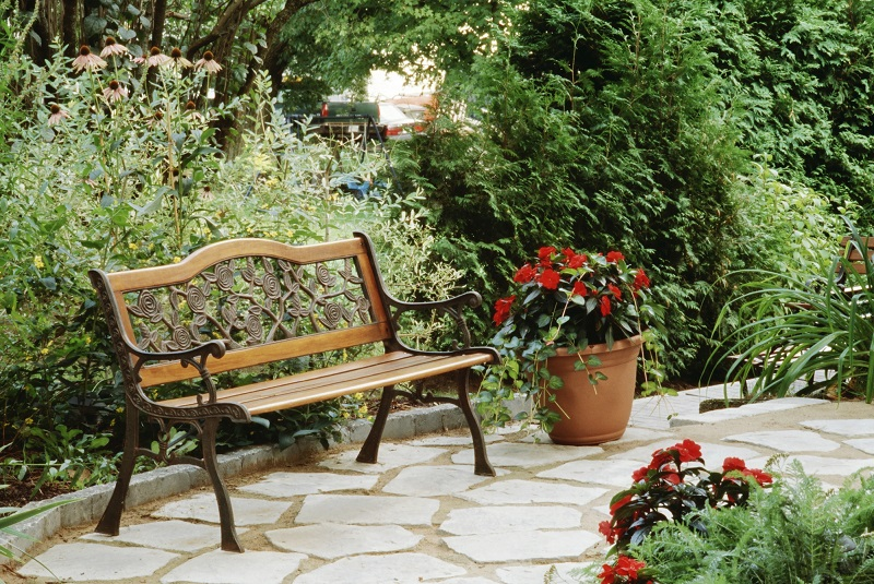10 tips for small gardens