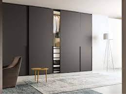 Why Choose a Sliding Door Wardrobe?